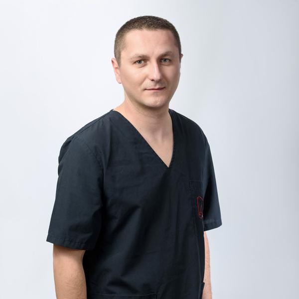 Д-р Вальон Дакай
